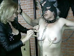 Submissive granny with clothes pins on tits tubes
