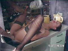 Wife extremely horny want to get fisted tubes
