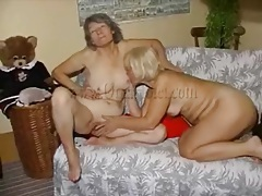 Cunt licking and finger banging old ladies tubes