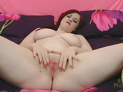 Curvy solo girl jaye rose finger fucks tubes
