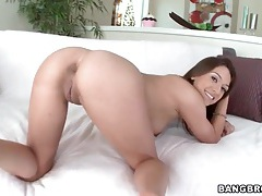 Cute brunette poses nude and sucks dick tubes