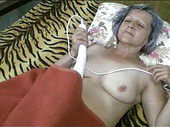Sleepy grandma eaten out on her cunt tubes