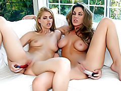 Two girls dildo fucking tubes