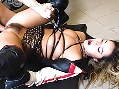Biker babe boned in cunt tubes