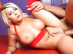 Lusty thrusting into sizzling pussy tubes