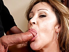 Hot curves on cocksucking milf tubes