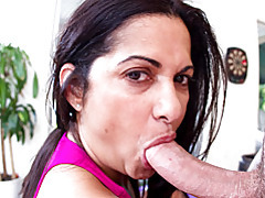 Curvy milf in love with cocks tubes