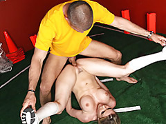 Flexible chick in sporty sex tubes