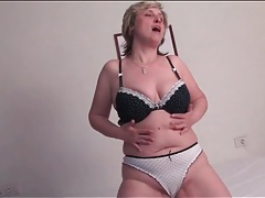 Tight pussy milf plays with naked body tubes