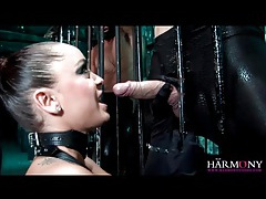 Two guys bang liza del sierra in leather tubes