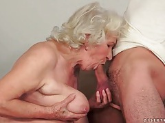 Big tits granny fucked in her hairy box tubes