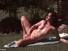 Solo tess lyndon masturbates outdoors tubes