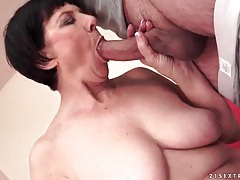 Big young dick fucks mature slut in her cunt tubes
