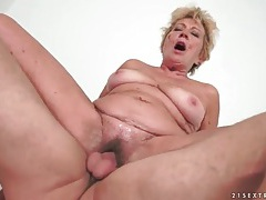 Flabby mature fucked in her box by young cock tubes