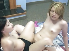 Veronica snow and angelica meow share a big dildo tubes