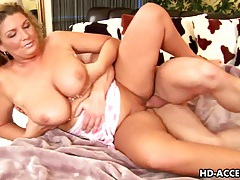 Mature slut mika gets her huge tits fucked tubes