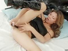 Asian amateur with shaved pussy in solo show tubes