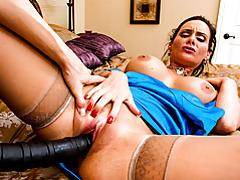 Lesbian facesitting in domme scene tubes