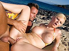 Big tits blonde beach sex tubes