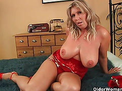 Mature soccer mom with natural big tits gets fucked tubes