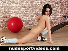 Naked amateur babe doing sports tubes