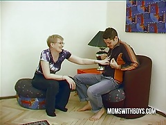 Mature wife convinces young boy to fuck tubes