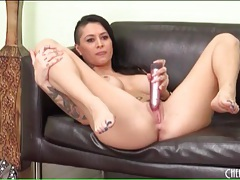 Horny alby rydes toy bangs her wet pussy tubes