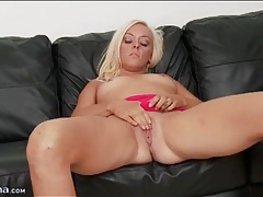 Solo blonde summer haze fingers her pussy tubes