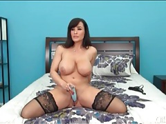 Busty lisa ann pleasures pussy with a toy tubes