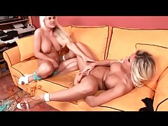 Blondes in sexy high heels have lesbian sex tubes