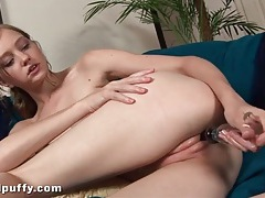 Leggy dasha puff dildo fucks her wet cunt tubes