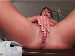 Solo mature in sexy glasses masturbates tubes
