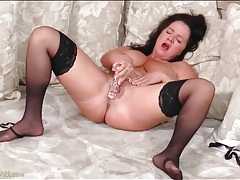 Lingerie set is sexy on curvy mature brunette tubes