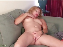 Milf holly jones rubs her tits and pussy tubes