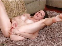 Valerie vox masturbates perfect pink pussy tubes