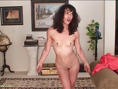 Skinny mommy with tiny titties masturbates tubes