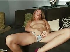 Milf sensually strips and masturbates pussy tubes