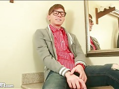 Nerdy twink in cute outfit strips solo tubes