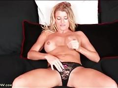 Milf avonca dominica finger bangs her cunt tubes