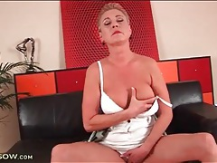 Short hair mature eaten out on her hot box tubes