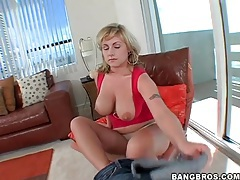 Curvy velicity von changes into sexy lingerie tubes
