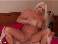 Thick blonde mom with tannned skin rides dick tubes