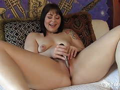 Sweet sarah toying her pussy tubes