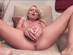 Body bending blonde toys her bald pussy tubes