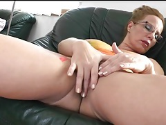 Naked mature with painted tits fingers her hole tubes