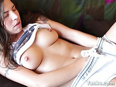 Beauty brunette lily masturbating tubes