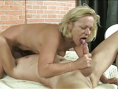 Masked man eats out her wet granny pussy tubes