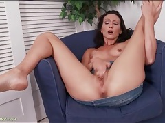Fit and slender mom masturbates her hot cunt tubes