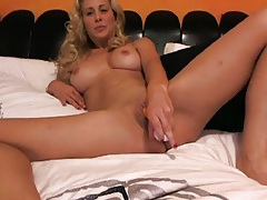 Dildo fills the wet pussy of cherie deville tubes