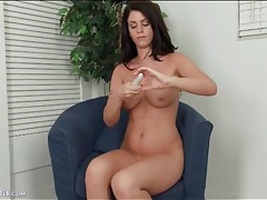 Solo masturbation stars brunette with sexy curves tubes